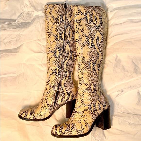 Vero Cuoio Tall Snakeskin Boots Size 37